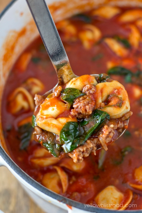 Tomato Basil Tortellini Soup